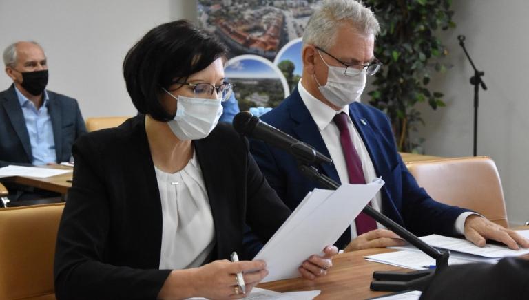 Zdjęcie główne newsa: XXVIII sesja Rady Miejskiej w Sieniawie, 25 października 2021 r.